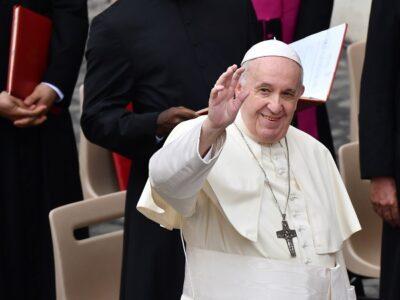 Papa Francisco: debe de cambiar el modelo económico tras pandemia