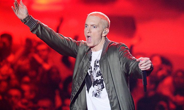 Eminem amenaza muerte