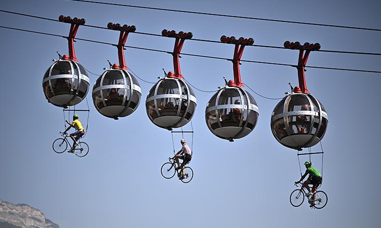 Tour de Francia sorprende con salida ficticia por el aire