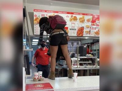 Mujer hace berrinche por comida, le negaron el servicio por no usar cubrebocas