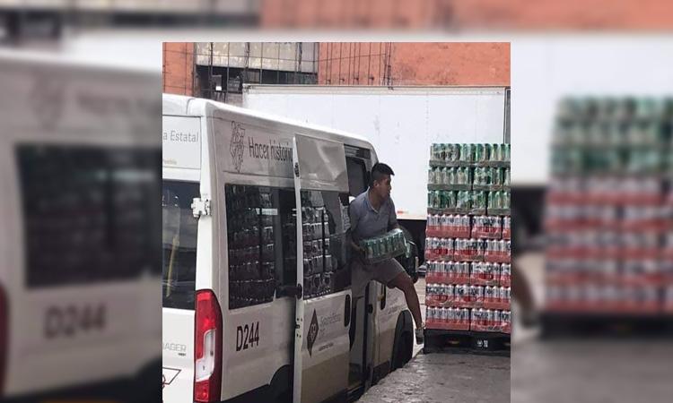 En Puebla se viraliza foto de camioneta del DIF con cervezas