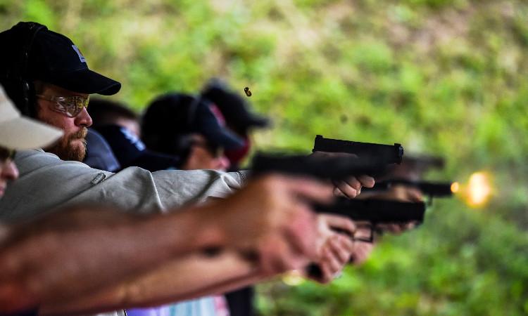 A pocos días de las elecciones, se dispara compra de armas en EU