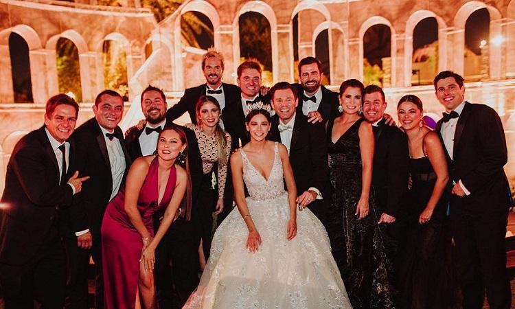 Se contagian de COVID-19 invitados a boda de actor en Mexicali - Uno TV
