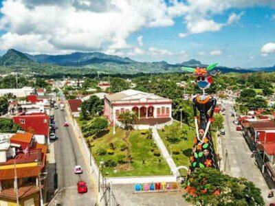 Día de Muertos: Montan catrina monumental en Veracruz