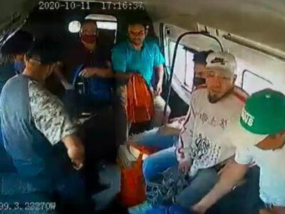 Edomex: Suben ladrones a combi y bajan pasajeros; se salvan de asalto