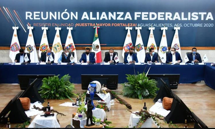 Estos 10 gobernadores impugnaran en SCJN desaparición de fideicomisos