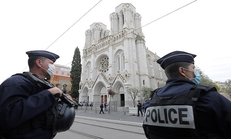 Francia: Papa y Europa condenan ataque con cuchillo en Niza