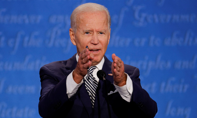 Tras COVID de Trump, Biden extiende ventaja: Reuters