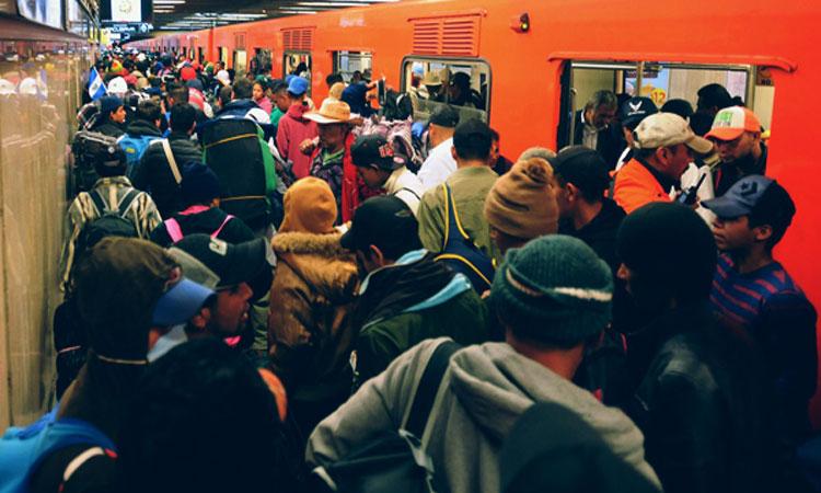 Metro de CDMX: Graban pelea en vagón lleno de gente