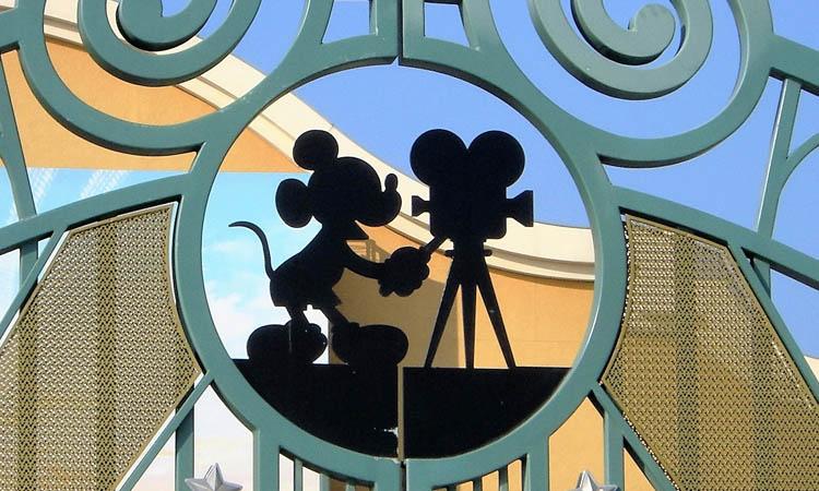 Disney advertirá sobre contenido racista