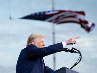 Acusaciones de Donald Trump de fraude podrían ser peligrosas para la democracia de EU