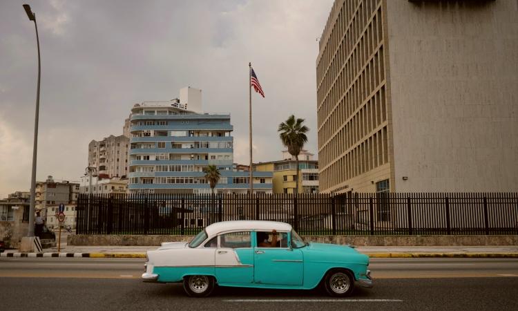 Cubanos aplauden elección de Biden con esperanzas de alivier sanciones