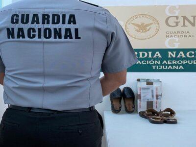Guardia Nacional decomisa aparente droga en guaraches artesanales