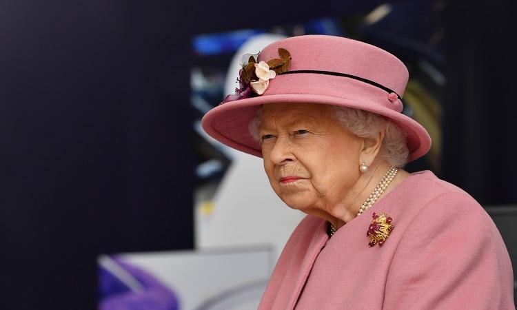 Reina Isabel II: ve significado del uso de sus sombreros