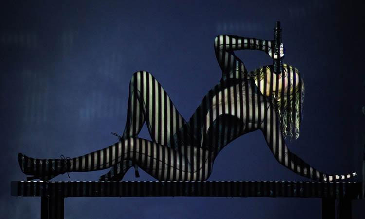 jennifer lopez posa desnuda en su cuenta de instagram