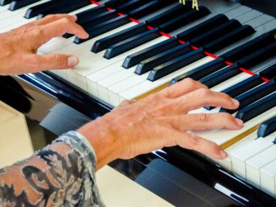 abuelita piano