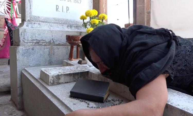 Querétaro: las plañideras, mujeres que lloran por difuntos ajenos