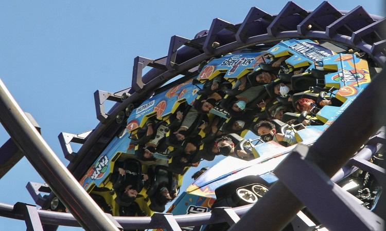 CDMX: joven se accidente en juego mecánico de Six Flags