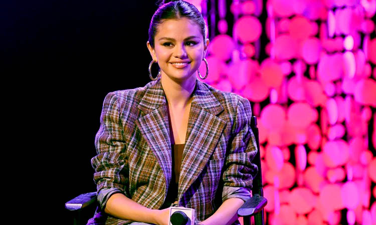 Selena Gomez Salvados por la campana