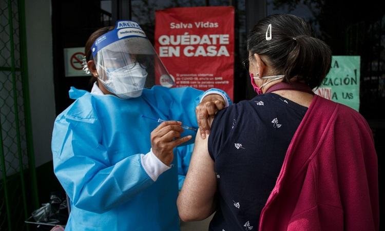 CDMX: fase 3 de vacuna CanSino podría iniciar la próxima semana