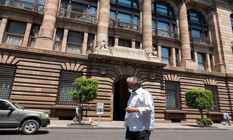 Banxico, dispuesto a trabajar con Congreso en reforma sobre divisas