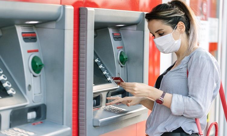 Bancos deberán pagar ante cargos no reconocidos: SCJN