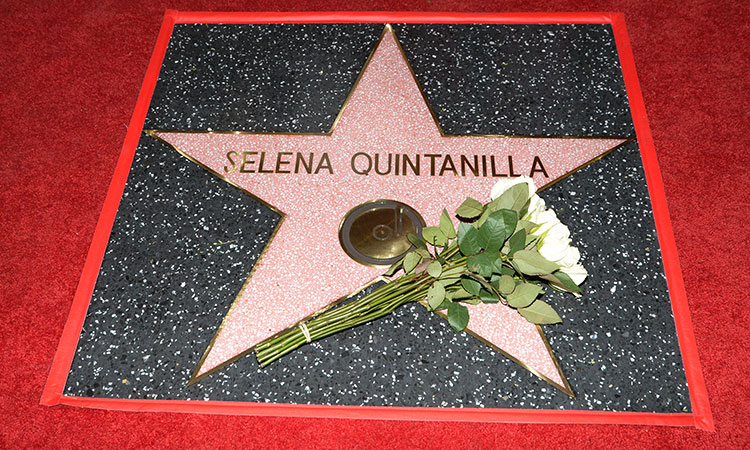 Como La Flor Selena Fans Rcord