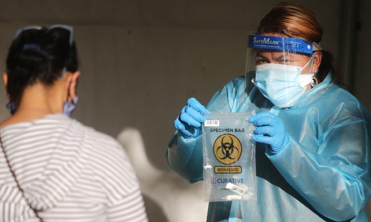 Estados Unidos registra casi 230 mil nuevos casos de COVID-19