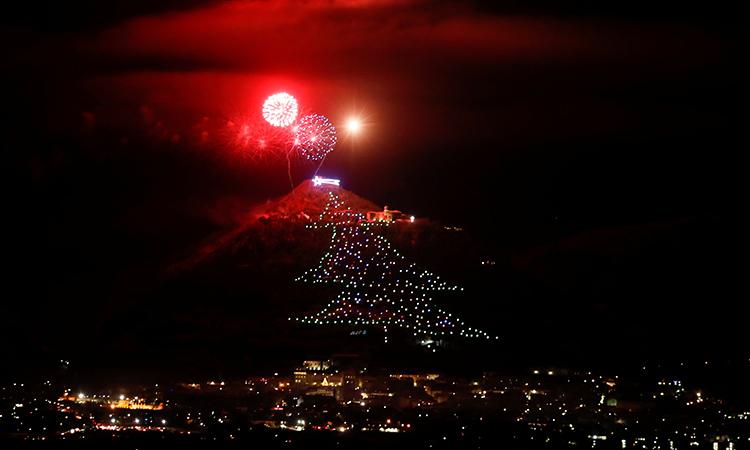 Árbol de Navidad: Italia enciende uno de los más grandes del mundo