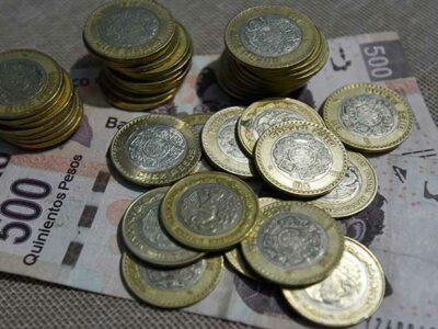 AMLO lanza propuesta de aumentar un 15% el salario mínimo