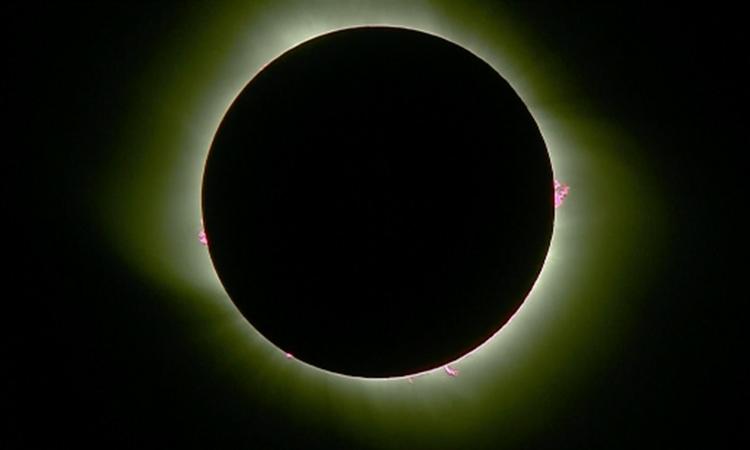 Eclipse de Sol, fin de año