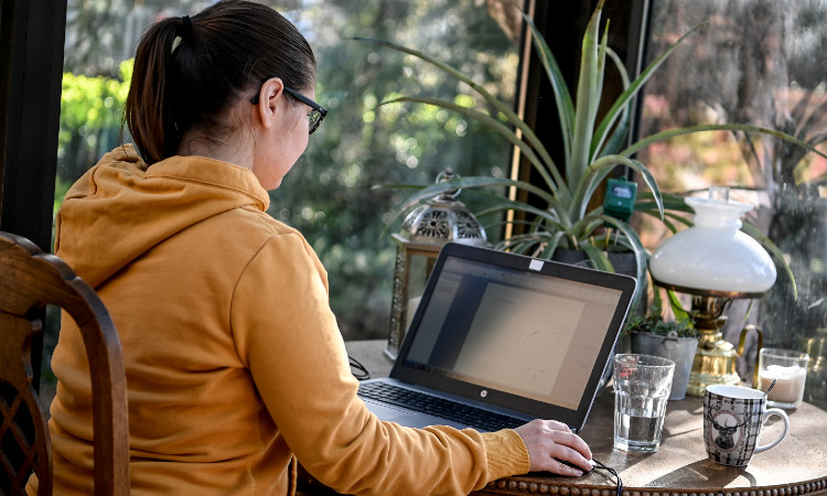 Cámara de Diputados avala regulación del Home Office; patrones pagarían luz e internet