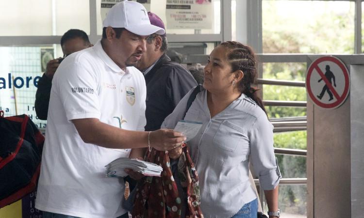 AMLO instala oficina en Palacio Nacional para proteger a paisanos durante regreso a México