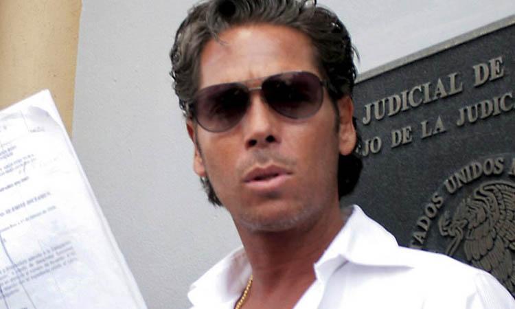 Roberto Palazuelo denuncia que incendiaron su hotel