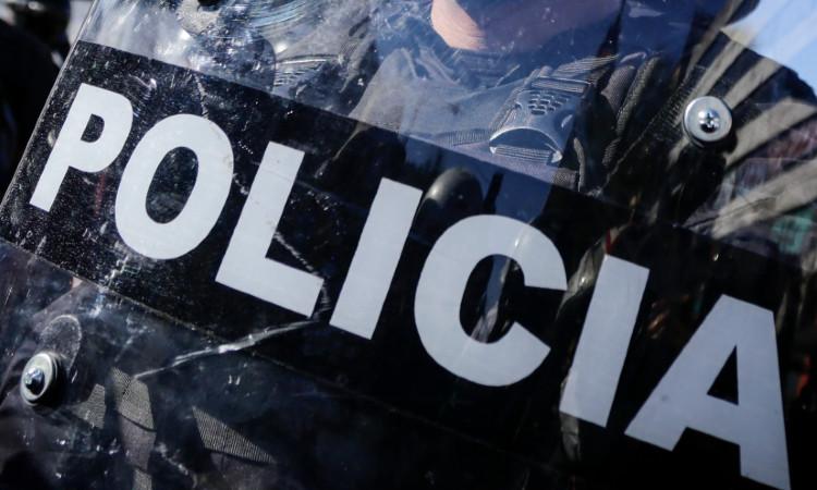 Fiscalía de la CDMX recupera tractocamión con medicinas; 5 personas detenidas