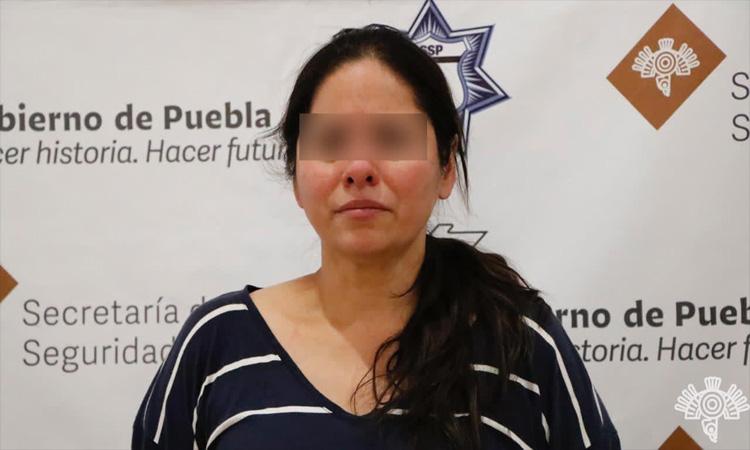 """Puebla: Detienen a lideresa de grupo criminal """"Angelinos13"""""""