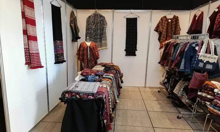En Puebla buscan que textiles de Hueyapan sean patrimonio