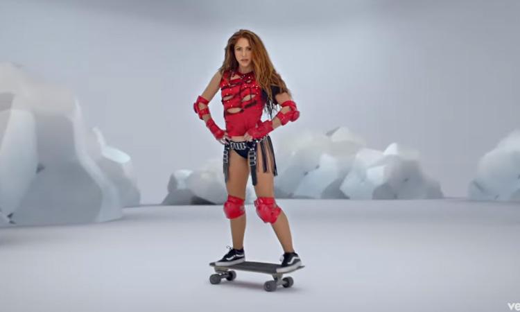 Shakira Black Eyed Peas Patinadora