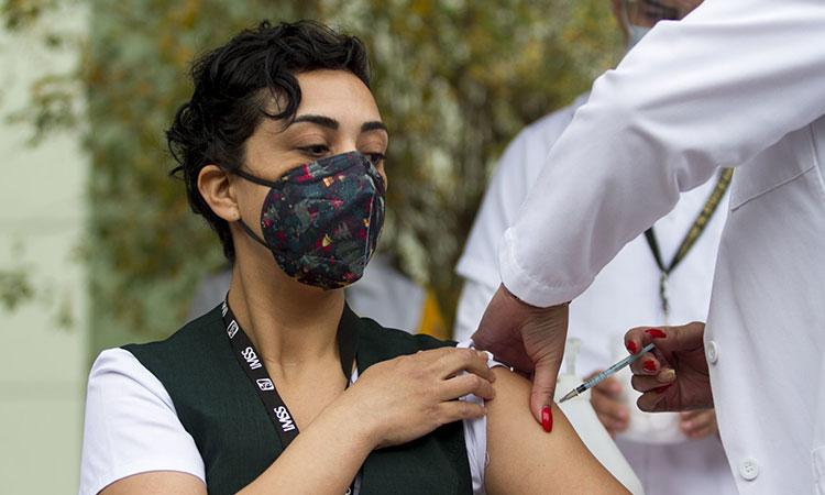 Vacuna COVID-19 de AstraZeneca será aprobada: Marcelo Ebrard