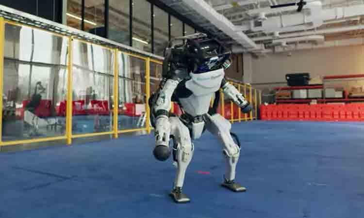 Robots muestran sus mejores pasos de baile