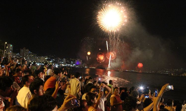 En Acapulco, cancelan gala de pirotecnia por la pandemia de COVID