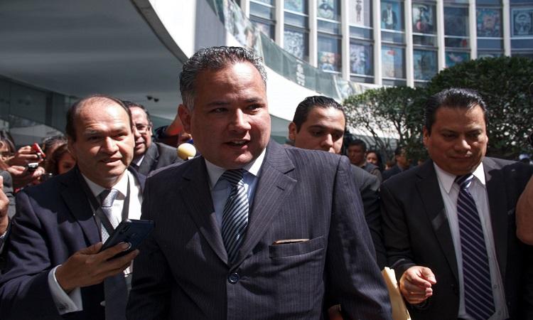 Santiago Nieto, de la UIF, solicita analizar a fondo reforma a Banxico