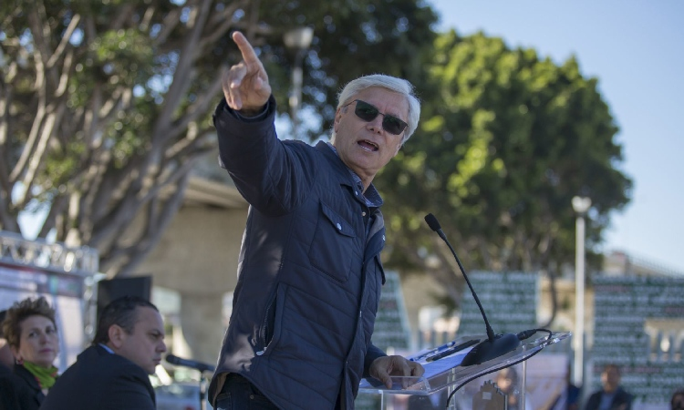 Jaime Bonilla, gobernador de Baja California, es ingresado a hospital