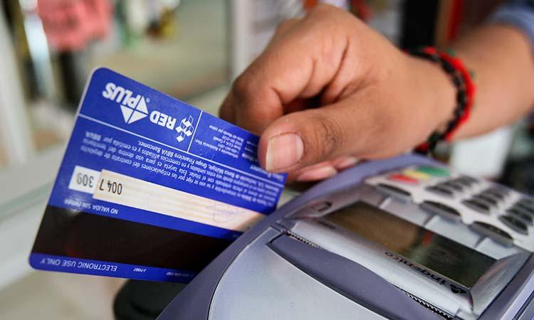 Tarjeta de crédito: consejos para pagar menos intereses al banco