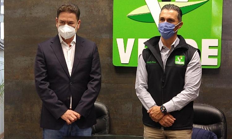 Adolfo Ríos se registra como precandidato a alcaldía de Querétaro