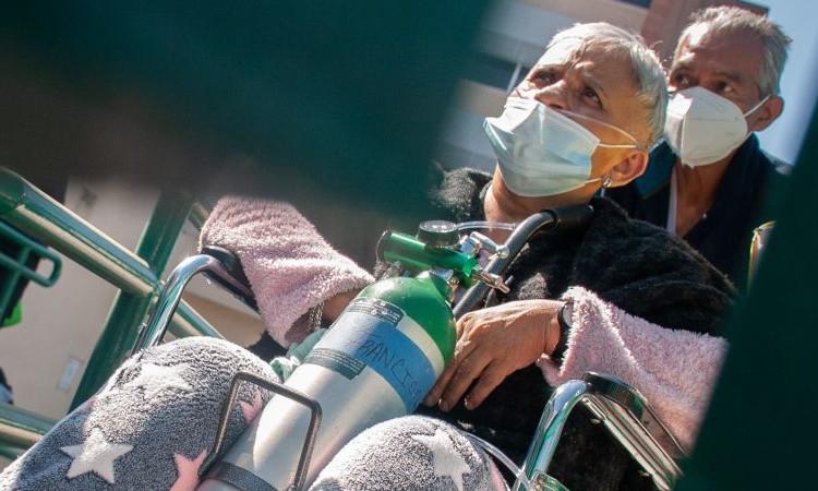 AMLO afirma que en marzo adultos mayores estarán vacunados contra COVID-19