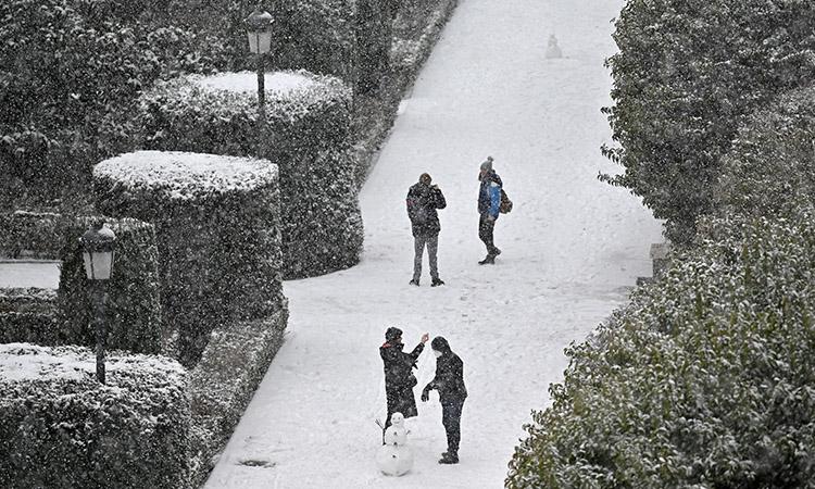 España se pinta de blanco; sorprende inusual nevada
