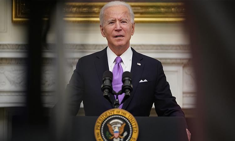 Joe Biden elimina botón rojo, Donald Trump lo usaba para pedir refresco