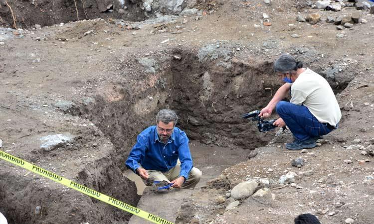 INAH halla piso prehispánico en Atlixco, Puebla