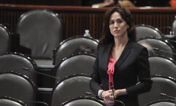 Paola Félix Díaz, funcionaria de CDMX que se casó en semáforo rojo
